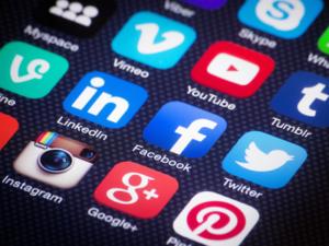 social-media400x300